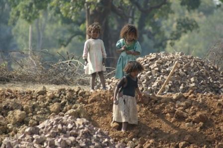 Deze Dalit kinderen zullen waarschijnlijk  nooit onderwijs krijgen