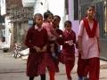 Op weg naar school - On their way to school