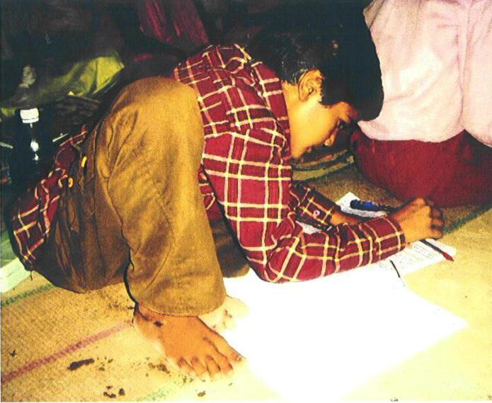 Zitten op de grond en leren, jarenlang...