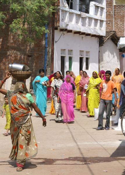 Vrouwen in de hoofdstraat